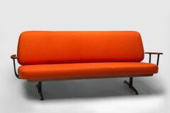van-art-gallery-pamerkan-300-produk-pasca-perang
